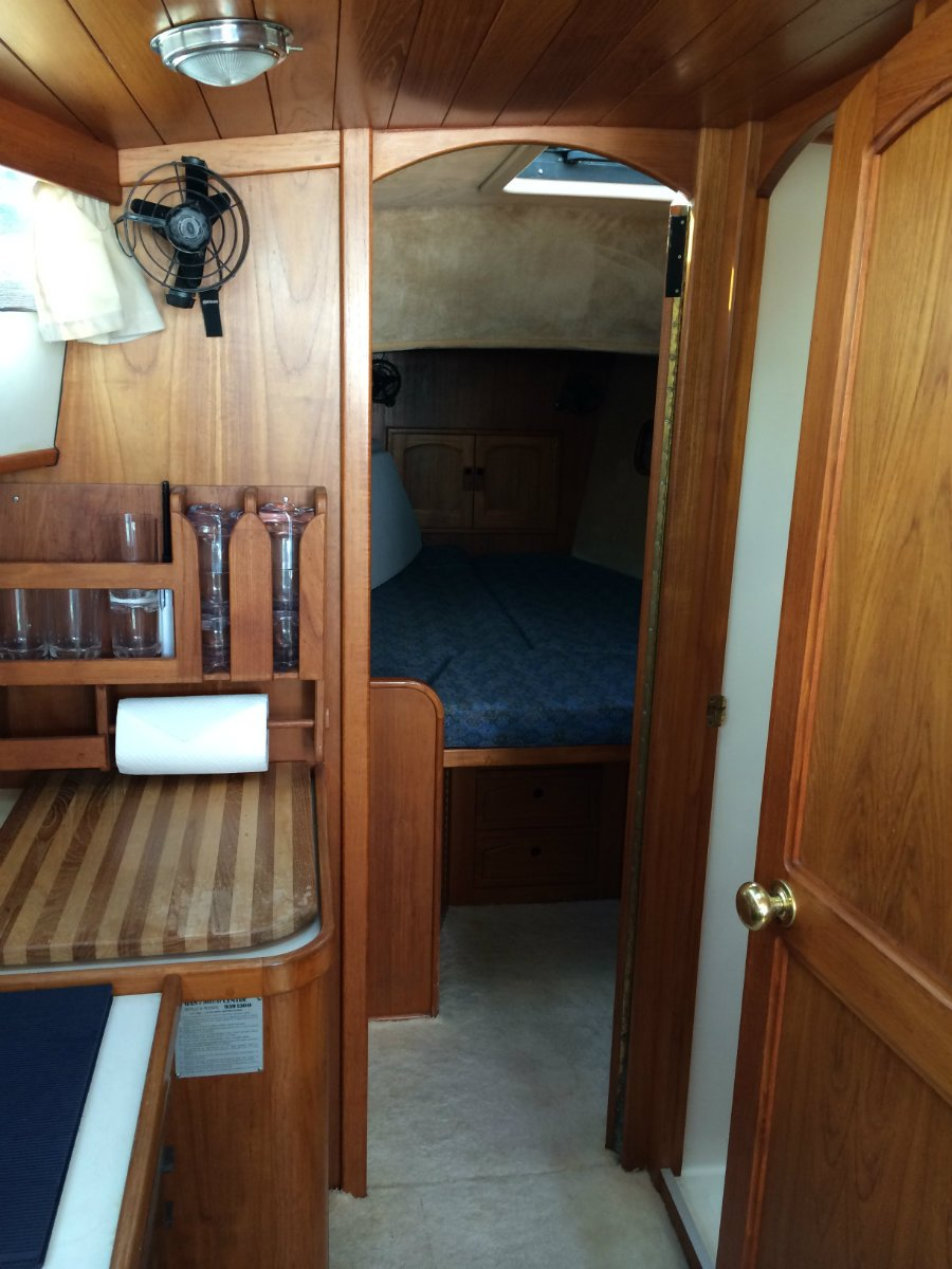 Zeston 40 Pilot House Yacht