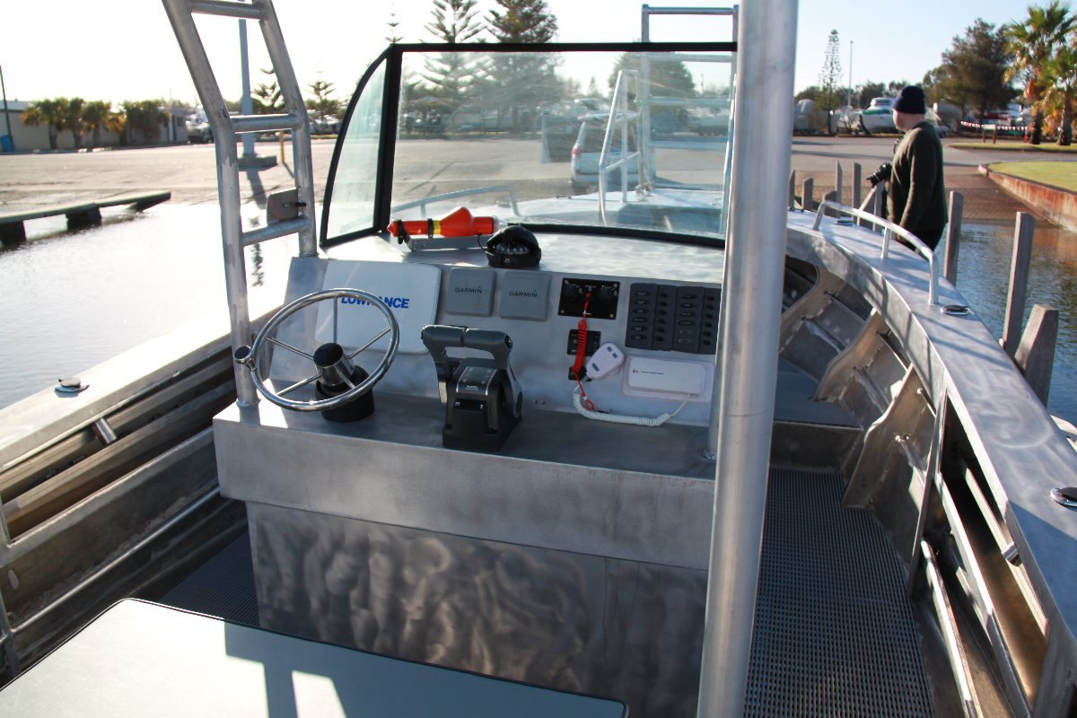 Saltwater Commercial Boats 7.5 Centre Console Saltwater Commercial Workboats