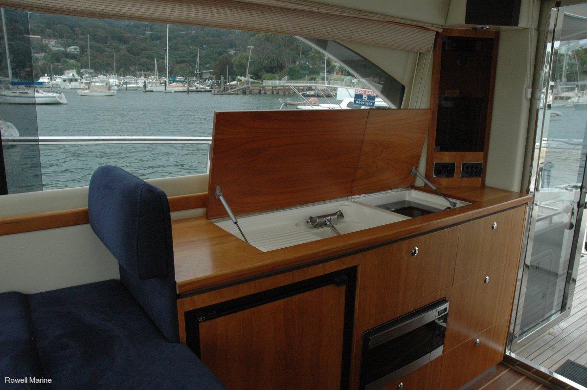 Riviera 3600SY