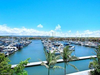 Hope Island Marina