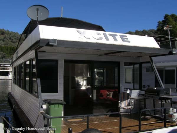 Houseboat Holiday Home on the Water of Lake Eildon:Xcite @ Lake Eildon