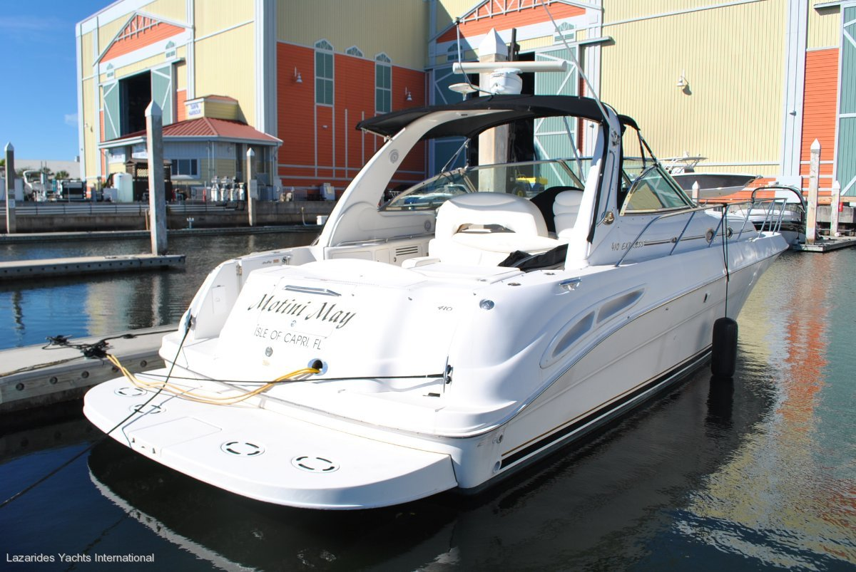 Sea Ray:wide body express