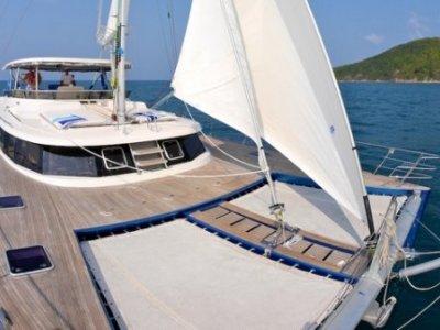 Nirvana J60 Sailing Cat