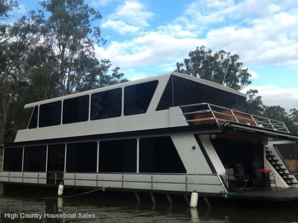 Houseboat Holiday Home on the Murray River