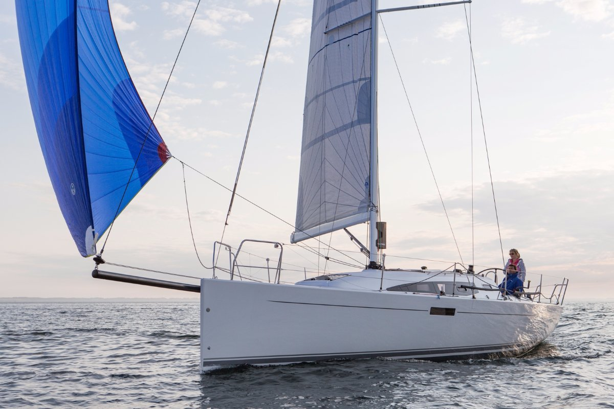 Hoopers Yachts  Upper MidWest Sailing Experts