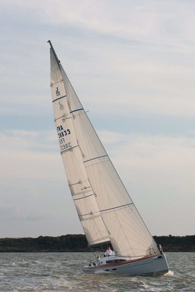 J Boats J/122e - 40ft cruiser/racer