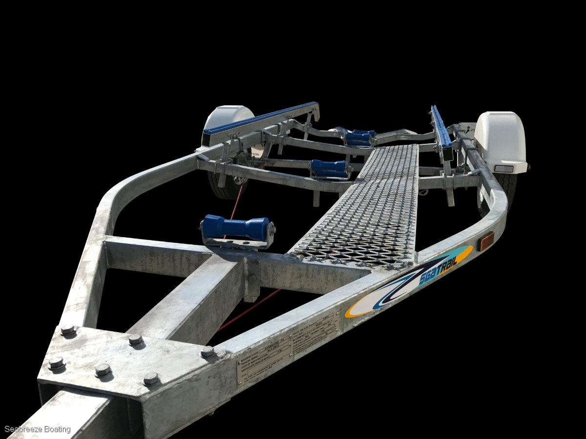 Boat trailer for 5.2 to 5.4 m boat
