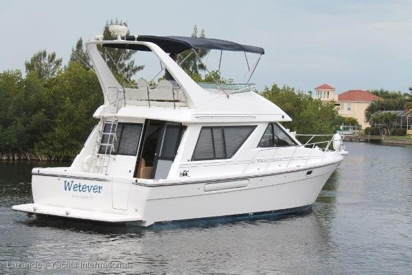 Bayliner 3988 Command Bridge Motoryacht