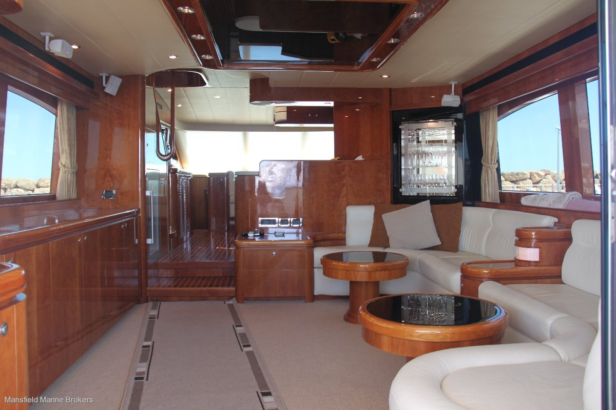 Horizon Yacht E73:Main Saloon
