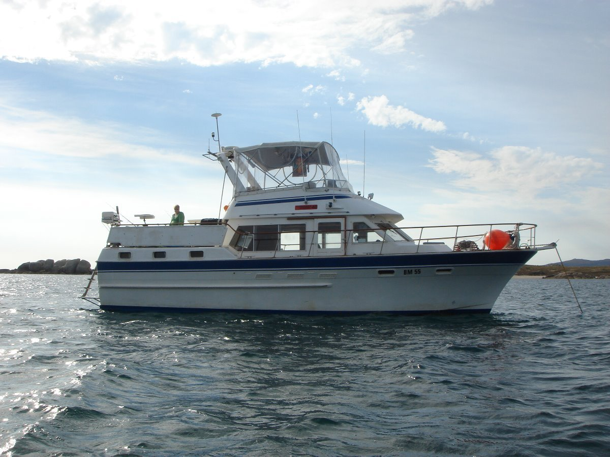 Ranger 40 Aft Cabin and Flybridge