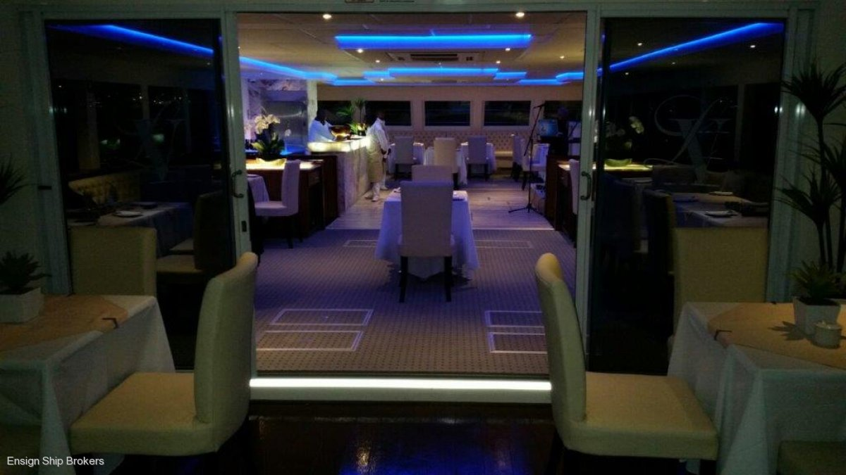 Custom Catamaran Luxury 6 Star 200 Pax Floating Restaurant