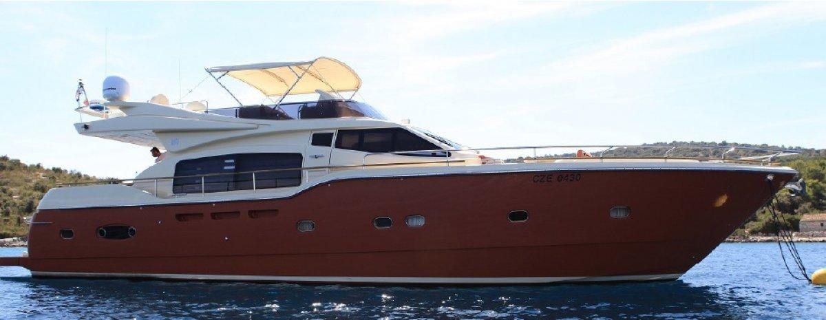Ferretti Altura 690 Motor Yacht