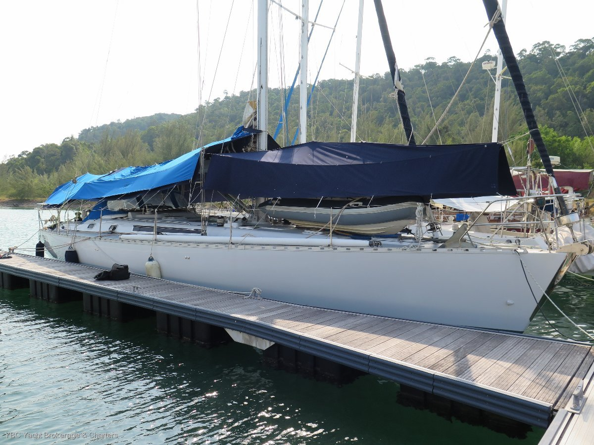 Sovereign Fast cruising yacht