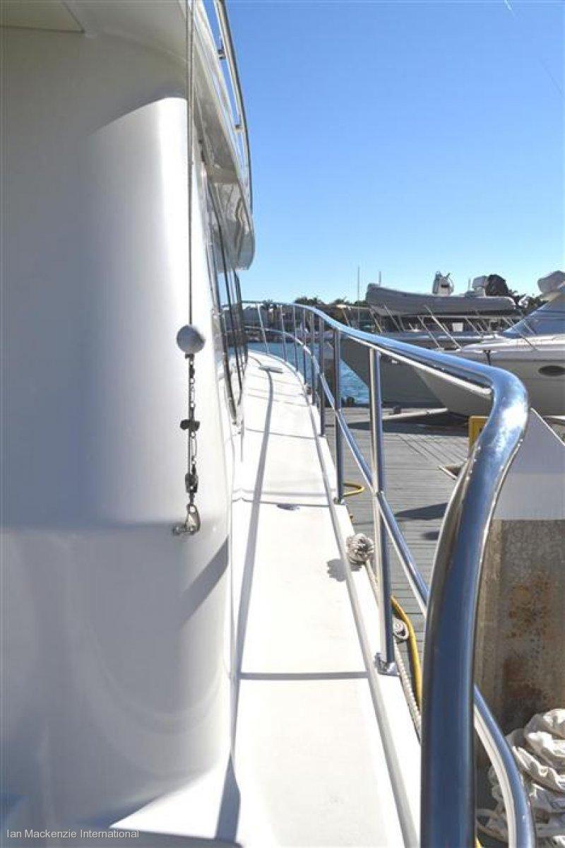 Salthouse 62 Enclosed Flybridge Gamefisher Passagemaker
