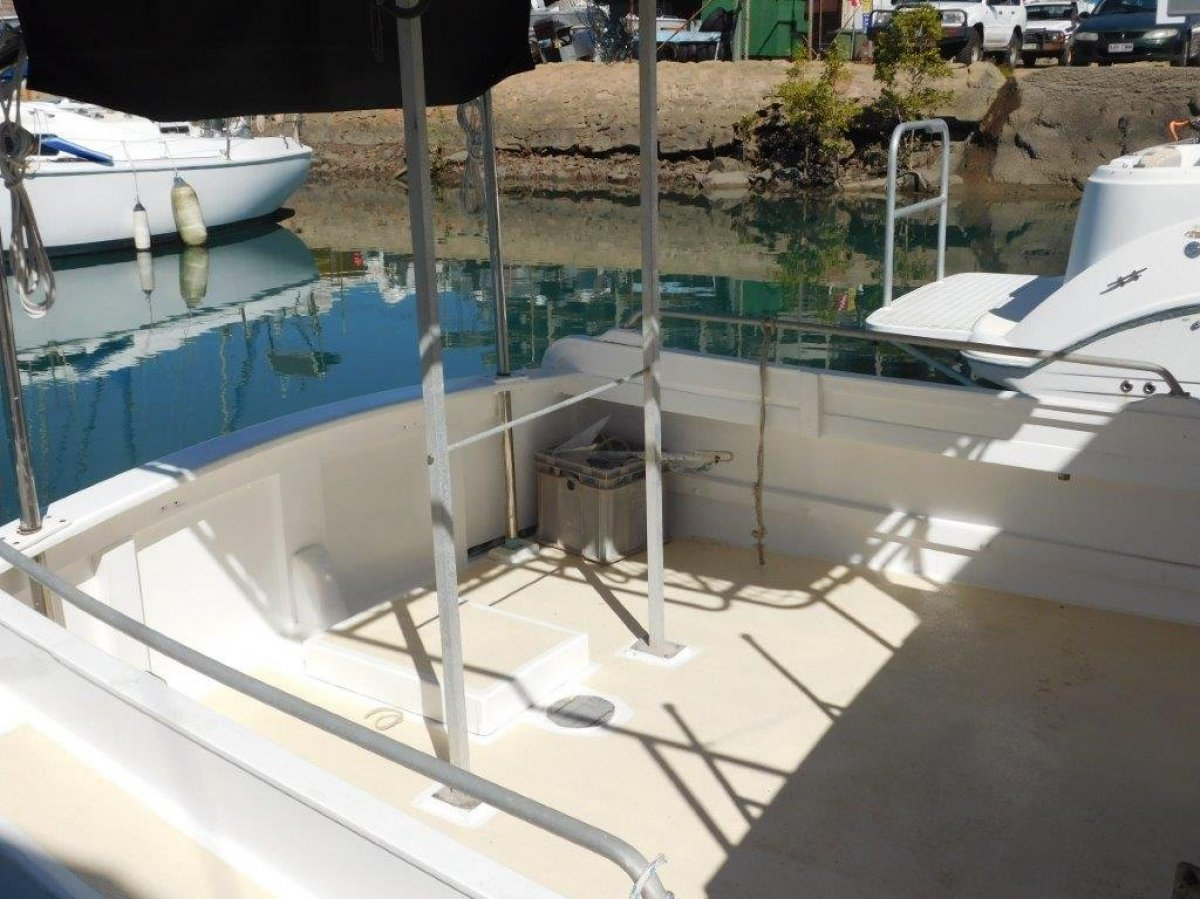 Kevin Dick 30 Flybridge Cruiser