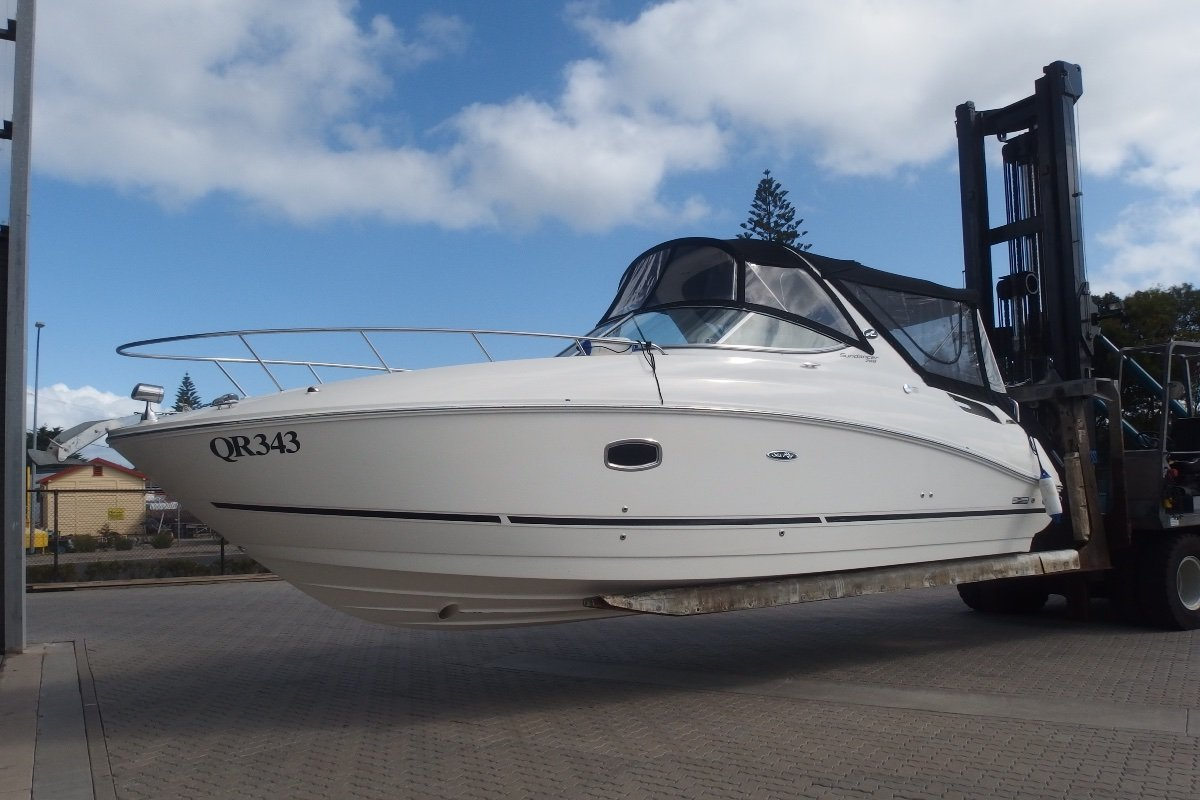 Sea Ray 280 Sundancer Late model 280 Sundancer with low hours in great condition.