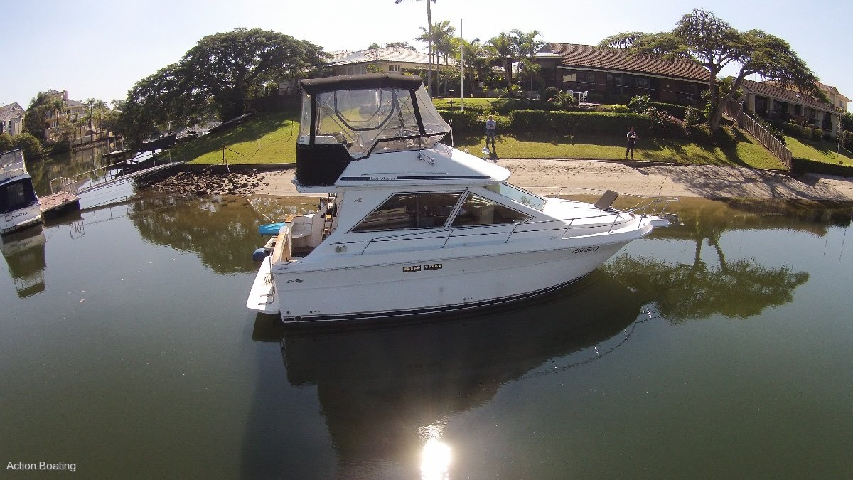 Sea Ray 300 Sedan Bridge Flybridge