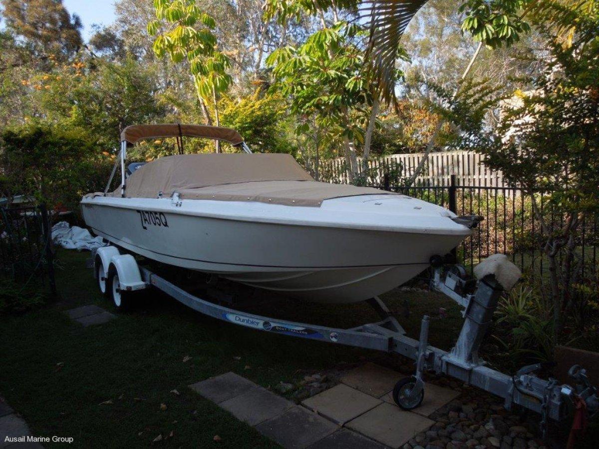 Smuggler Bow Rider 5900 - Australian built by Smuggler