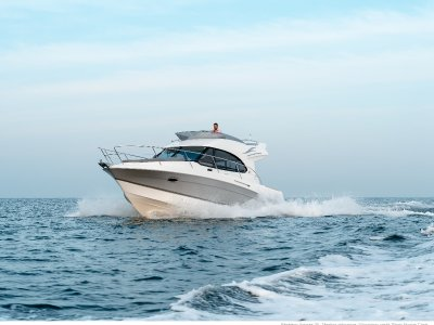 New Beneteau Antares 30 Fly:Antares 30