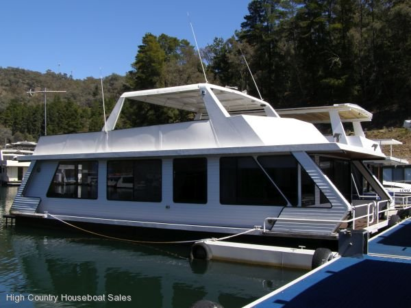 Houseboat Holiday Home on the Water of Lake Eildon, Vic.:DTM @ Lake Eildon