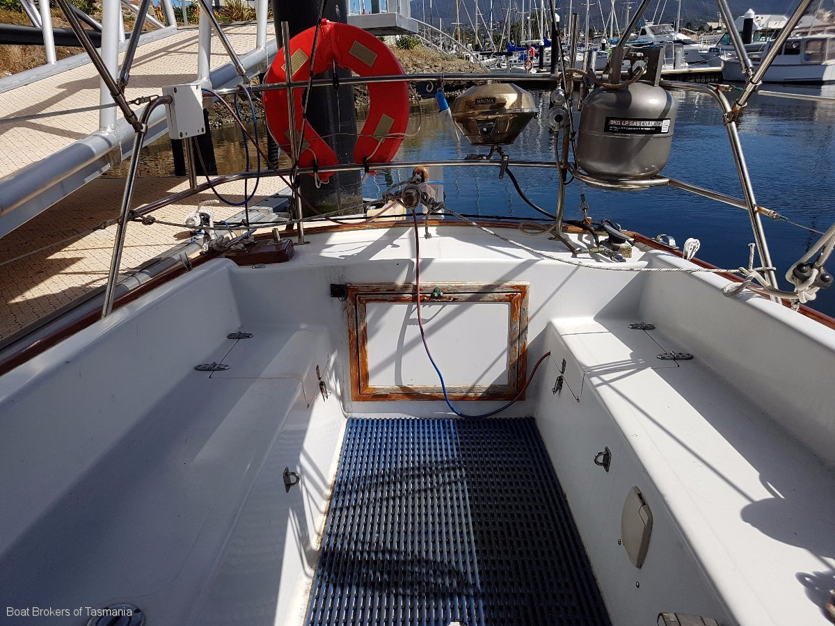 Compass Herreshoff H28 fibreglass cruising yacht.