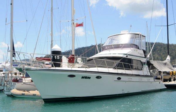 Lycrest 43 Flybridge Cruiser