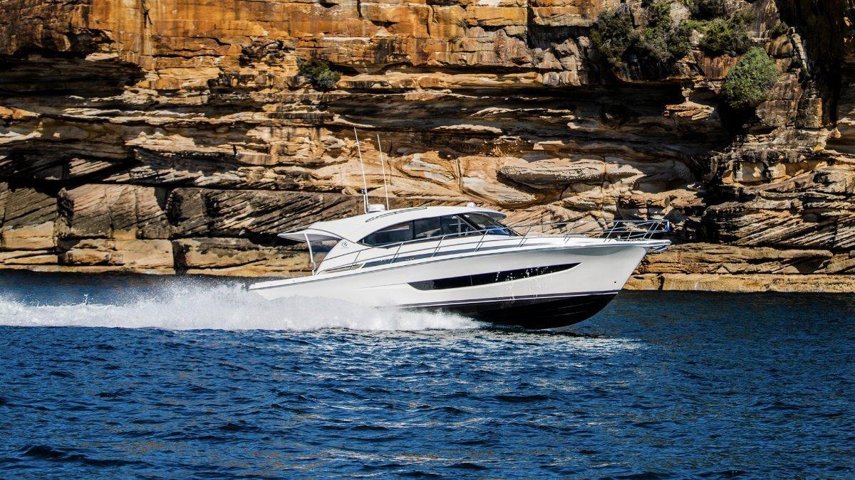 Riviera 77 Enclosed Flybridge