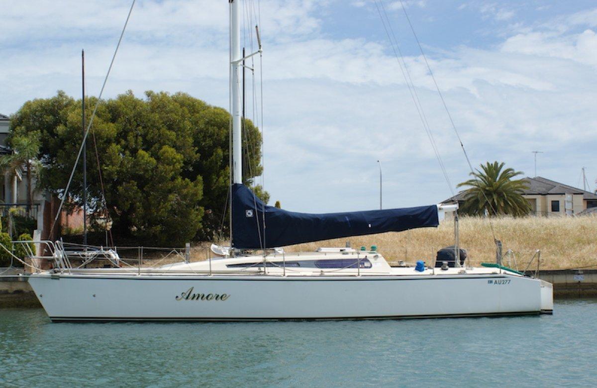 Adams 11.9 40 foot Fiberglass Yacht MAKE AN OFFER