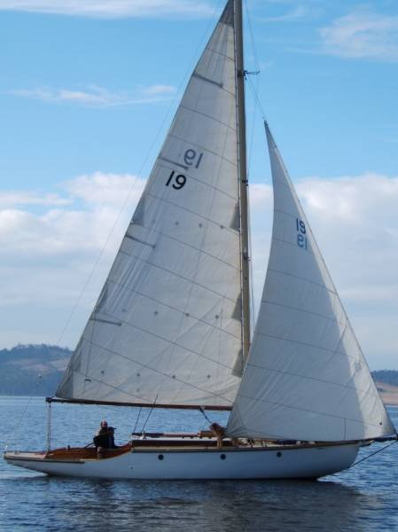 "Tasmanian One Design sloop ""Pandora"""