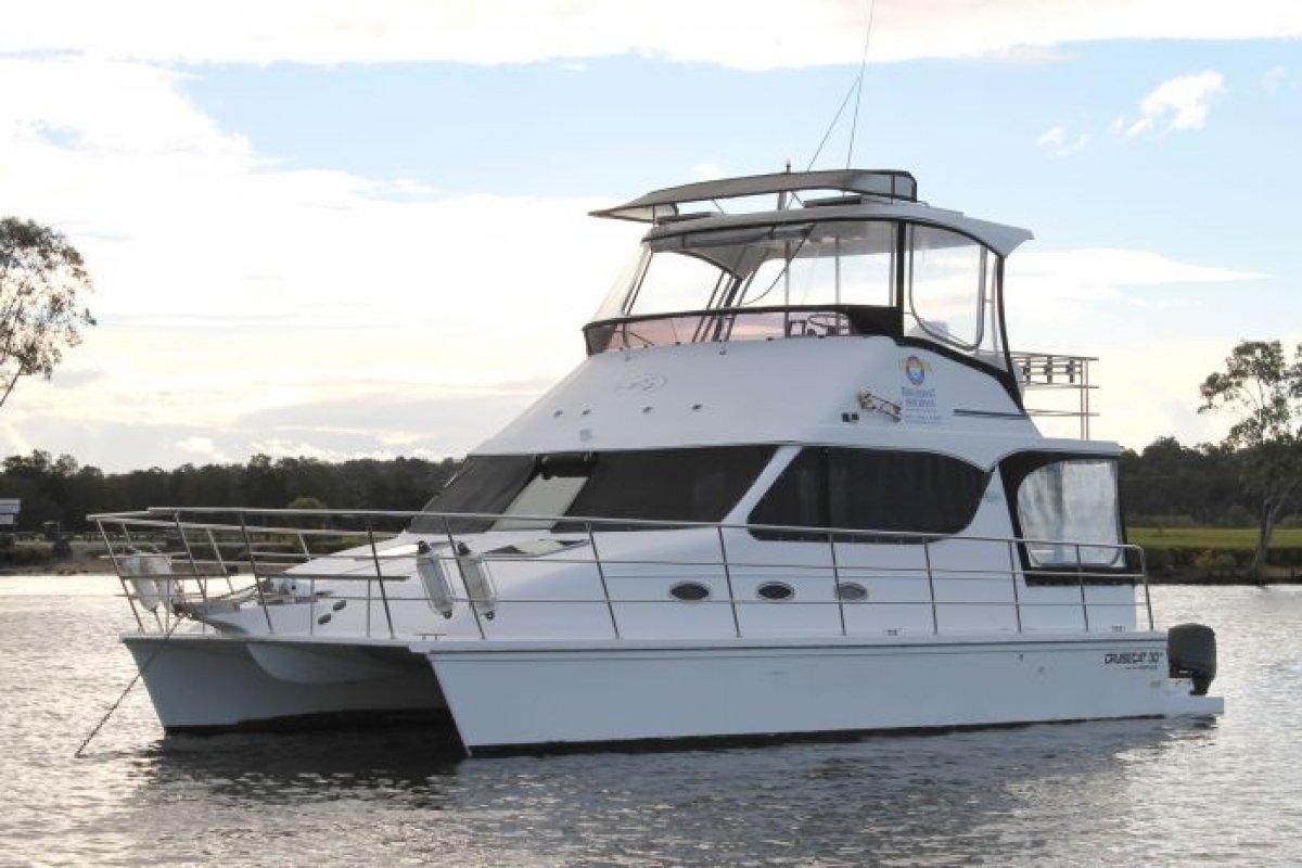 Cruise Cat 30