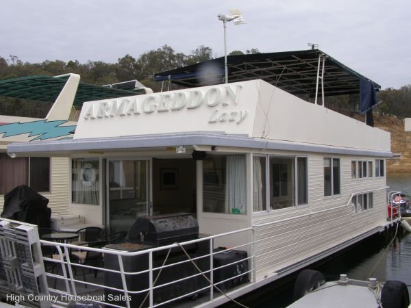 Houseboat Holiday Home on the Water of Lake Eildon, Vic.:Armageddon Lazy @ Lake Eildon