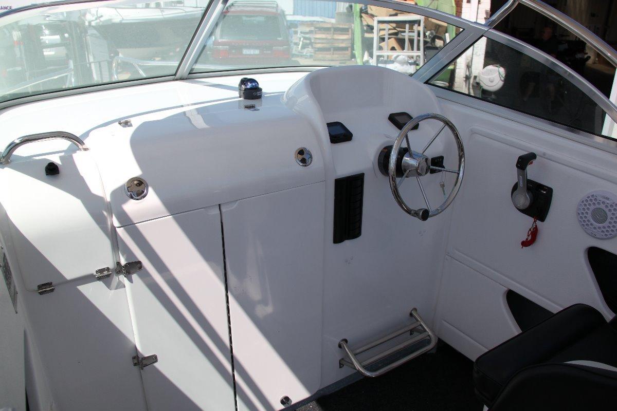 Ocean Master 710 Senator
