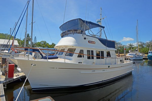 Grand Mariner 36 Flybridge Cruiser