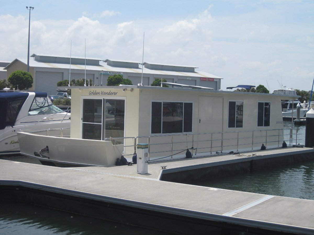 Explorer CUSTOM 44' HOUSEBOAT