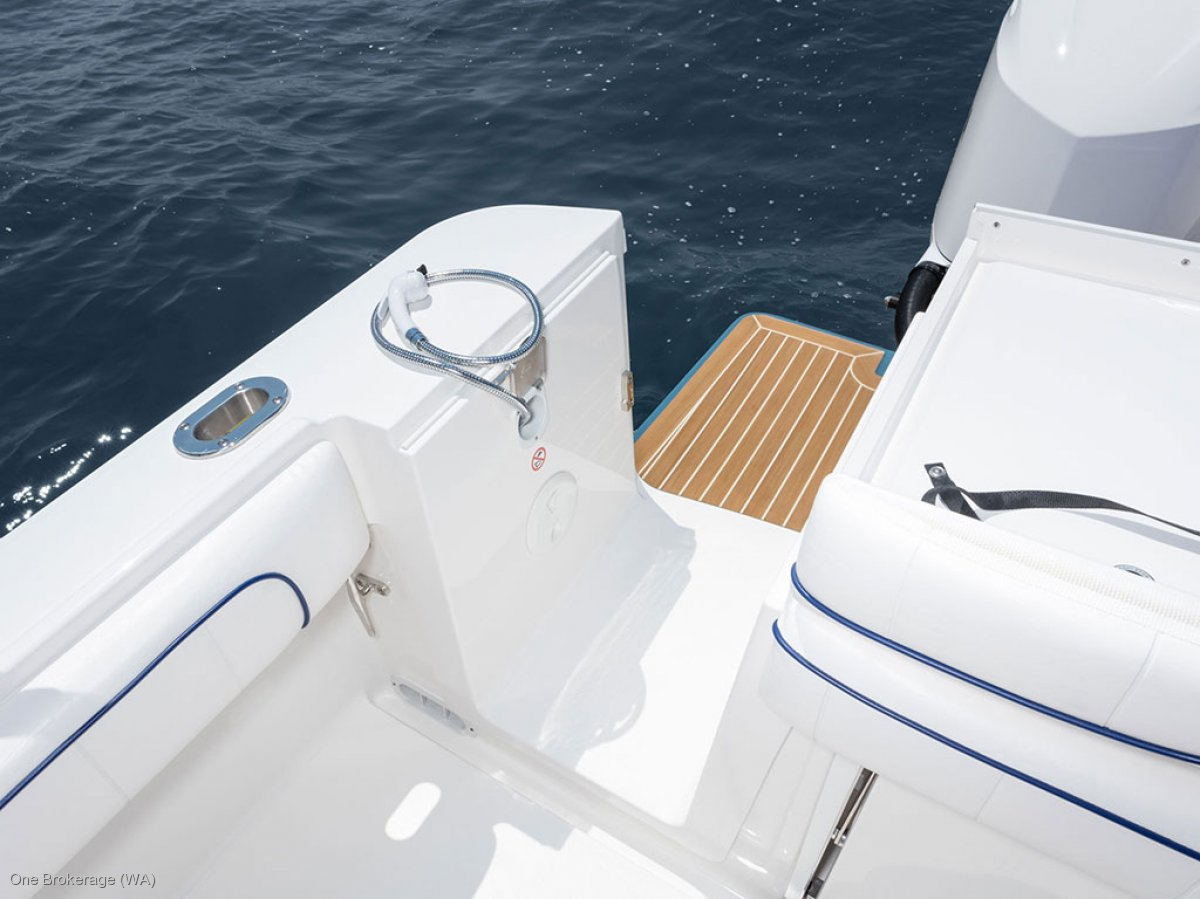 Regulator 28 - Suit Boston Whaler and Grady White buyers