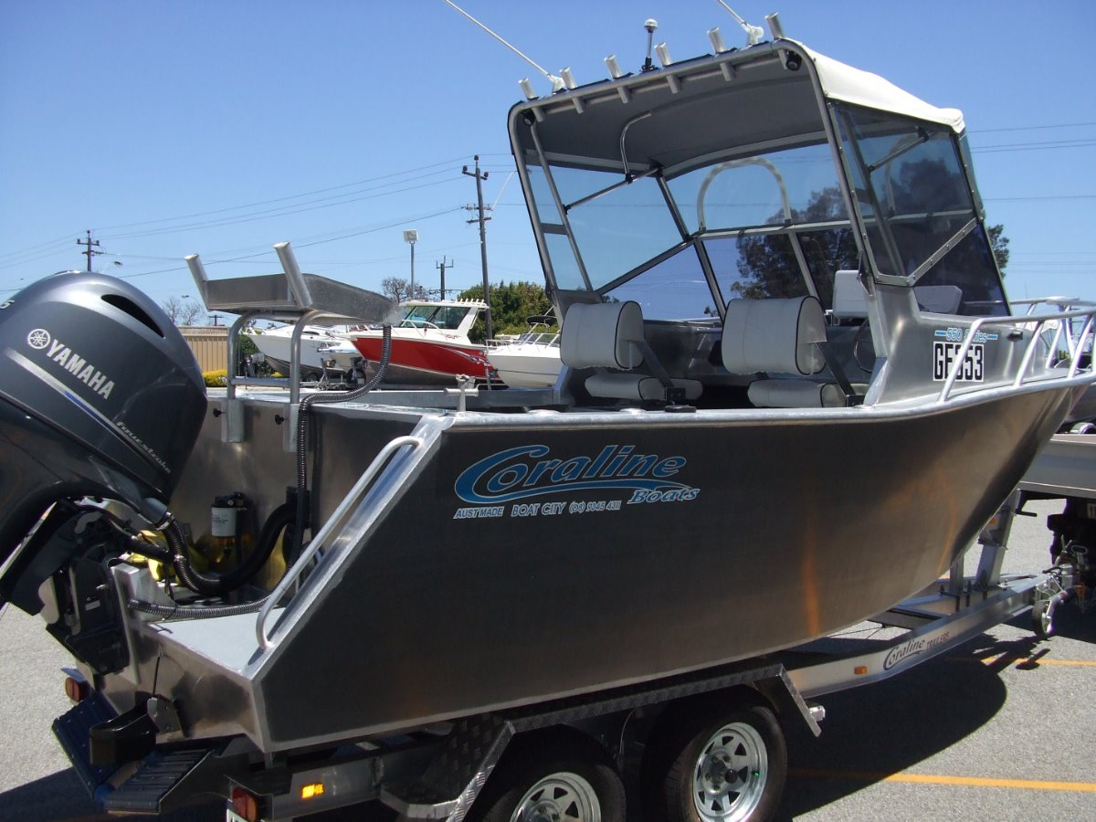 """Coraline """"SERIES II"""" 550 RUNABOUT OR CENTRE CONSOLE"""