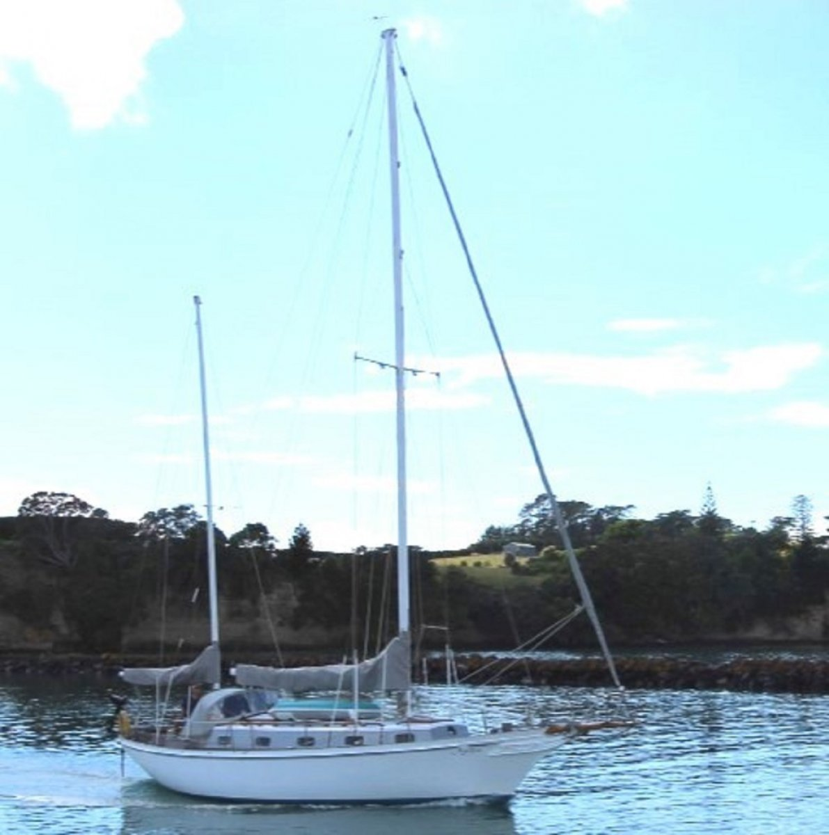 Alden Ketch Great Live Aboard and World Cruiser