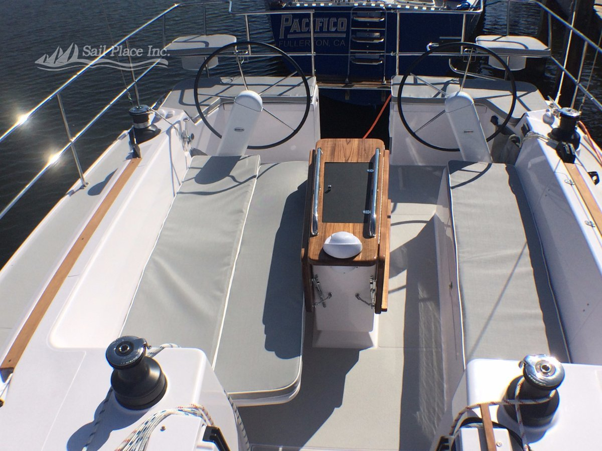 Catalina 425 NEW - Wing / Fin keel versions