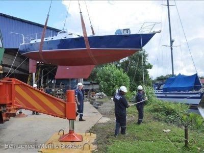 Roberts Offshore 42