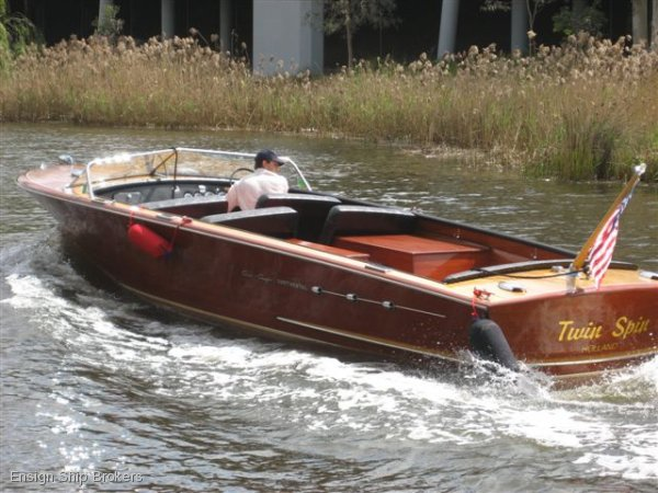 Chris Craft 26 Continental