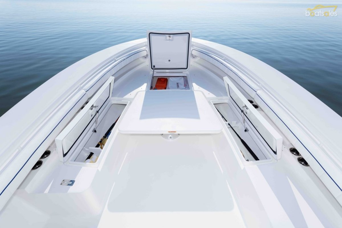 Regulator 34SS - Suit Boston Whaler and Grady White buyers