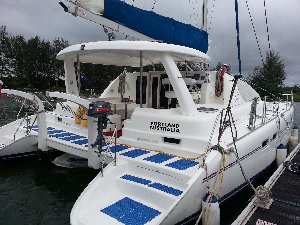 Leopard Catamarans 43 Cruise Equipped