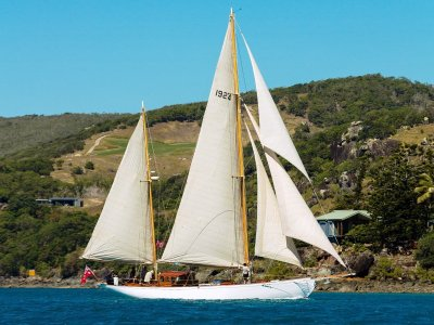 CHARLES NICHOLSON 60 ft KETCH HURRICA V