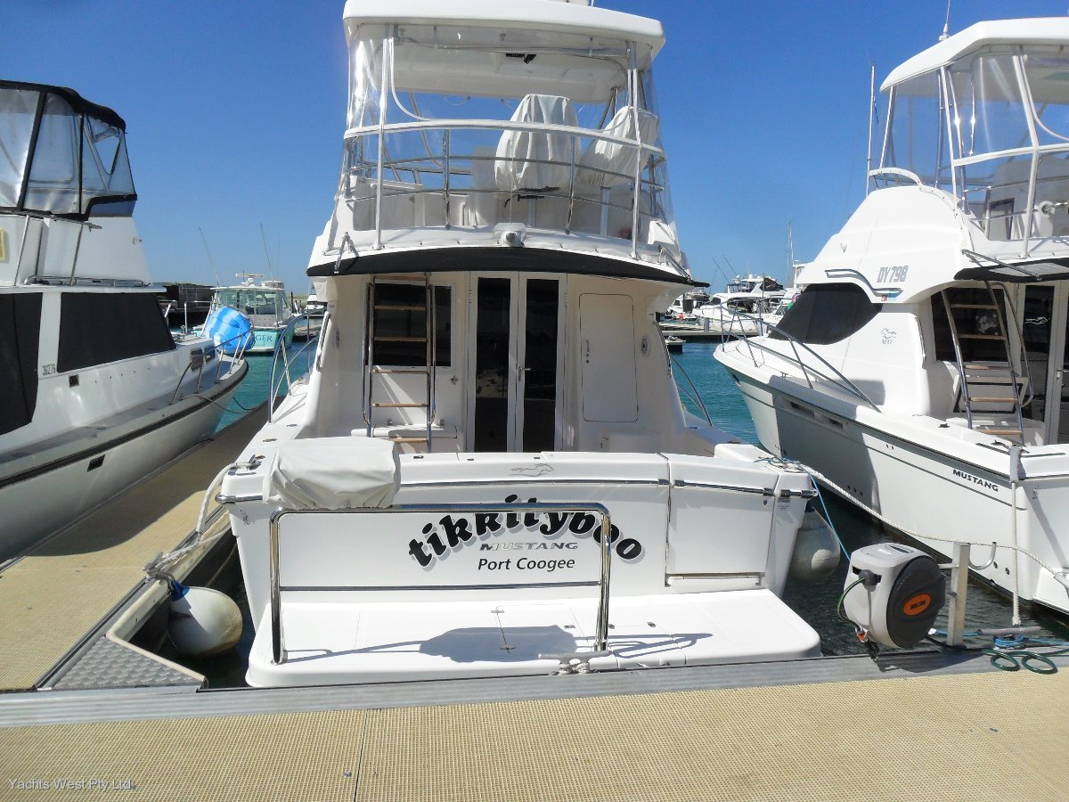 Mustang 37 Flybridge EXCEPTIONAL VALUE HERE