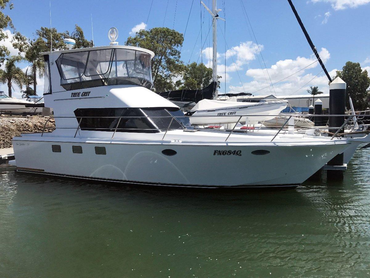 Sea Goddess 38 Flybridge Cruiser