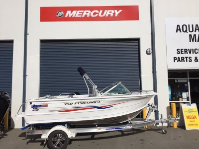 New Quintrex 440 Renegade Sc Side Console Trailer Boats
