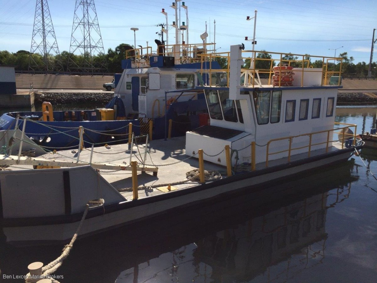 Custom Self Propelled Pontoon Barge