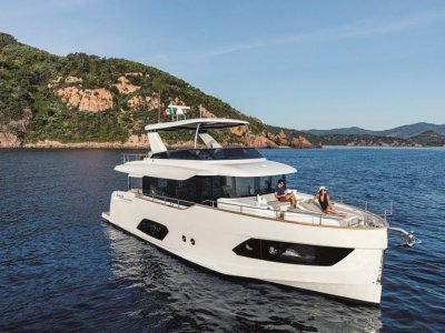 New Absolute Navetta 58
