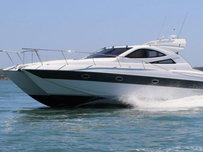 Javelin 42 Luxury