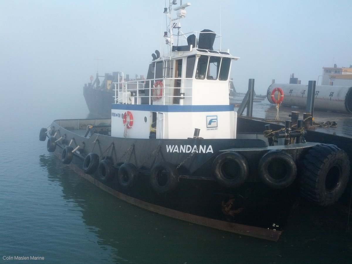 Coastal Tug twin screw 10T bollard pull